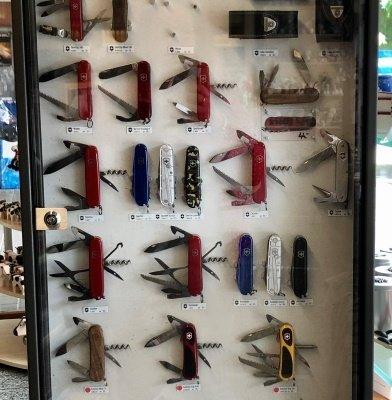 Couteaux suisses